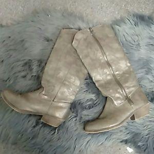 Gray telula rampage boots